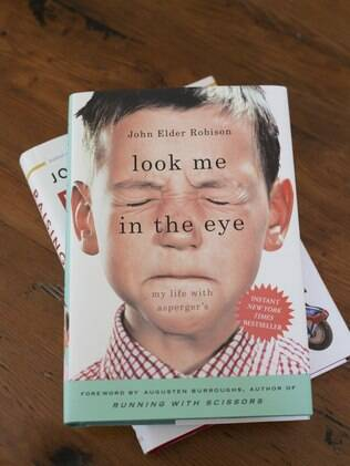 Capa do livro 'Look Me in the Eye', biografia de John Robison que descreve a incompreensão que separa as pessoas com asperger do mundo ao seu redor (30/03)