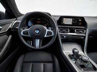 interior do BMW M 850i Coupe