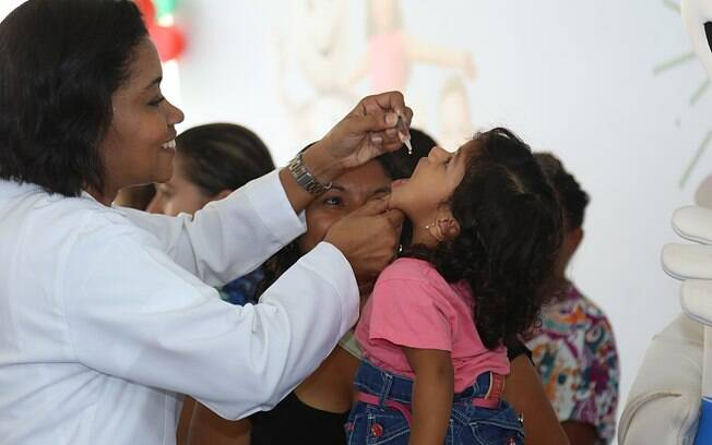 D-day vaccination against polio and measles has more than 36,000 health posts on Saturday