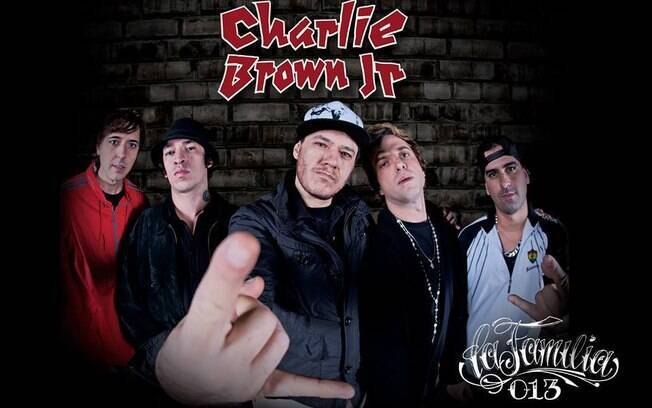 Capa de 'La Familia 13', disco póstumo do Charlie Brown Jr.
