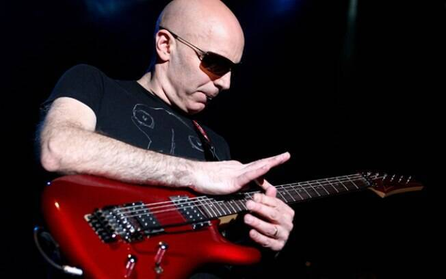 O guitarrista Joe Satriani