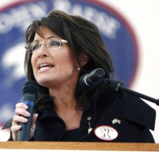 Palin criticou Obama e classificou o ativista Julian Assange como