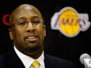 Mike Brown comandará o Lakers