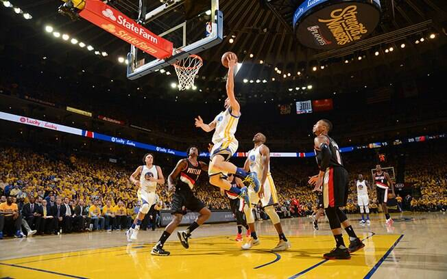 No primeiro dia da NBA 2016/17, os Warriors enfrentam os Spurs