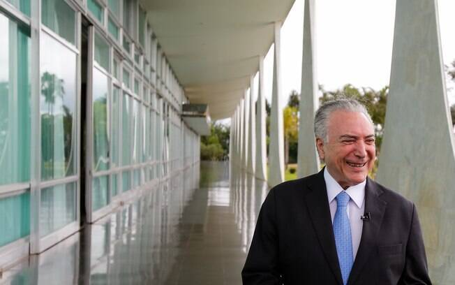 Michel temer feliz no Planalto