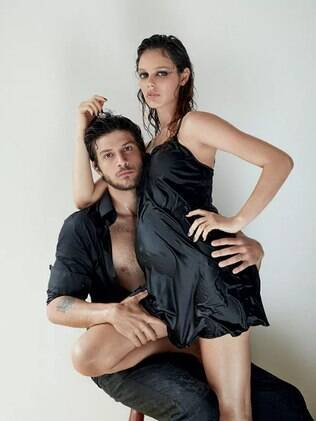 Chay Suede e Laura Neiva  para a Marie Claire