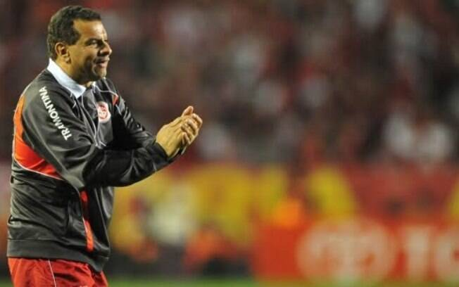 Celso Roth foi o comandante do Internacional na conquista do bi