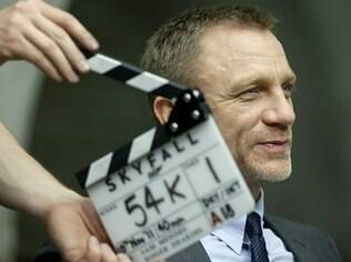 Ator Daniel Craig interpreta James Bond