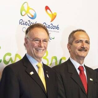Aldo (dir) com o presidente do COI, Jacques Rogge