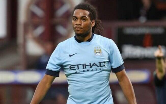 Jason Denayer é jogador do Manchester City