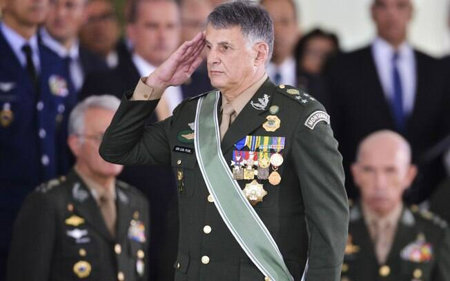 Amigo de Bolsonaro, general Leal Pujol assumiu posto de comandante do Exército no lugar do general Villas Bôas
