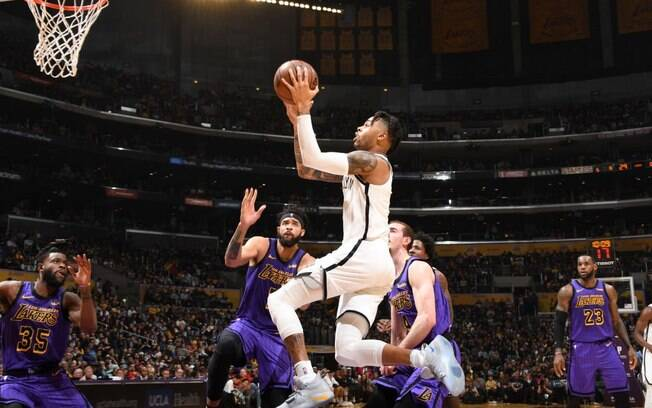 Franquia do Brooklyn venceu dentro do Staples Center e acabou com as chances do rival