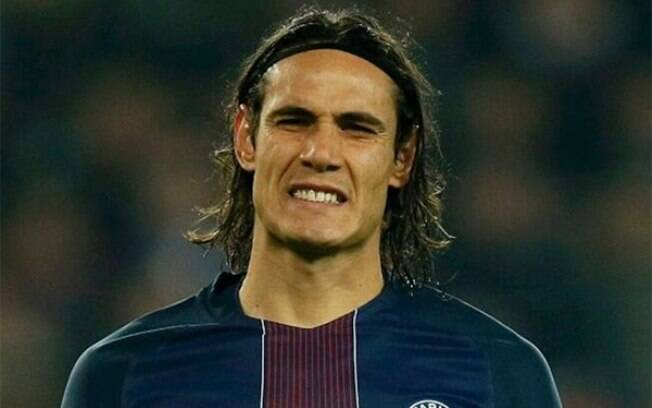 Cavani segue livre no mercado