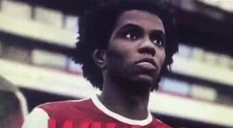 Willian aparece com camisa do Arsenal em teaser do PES 2021