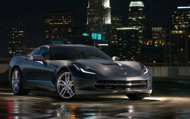 Chevrolet Corvette Stingray, em