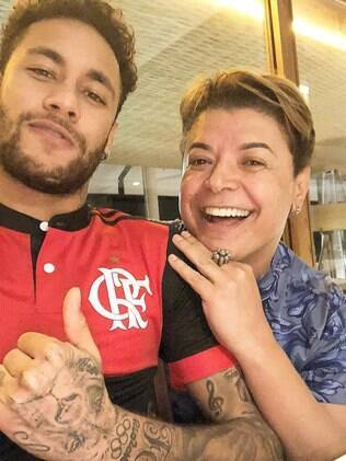 Neymar com a camisa do Flamengo