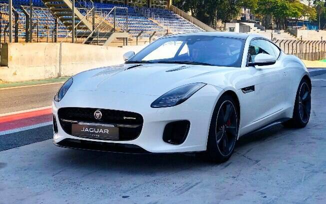 Jaguar F-Type P300