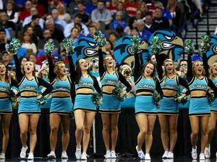 Cheerleaders da Coastal Carolina University