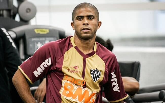 Júnior César, lateral esquerdo do Atlético-MG