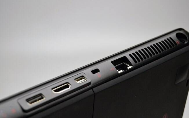 Notebook traz portas USB 3.0 e HDMI
